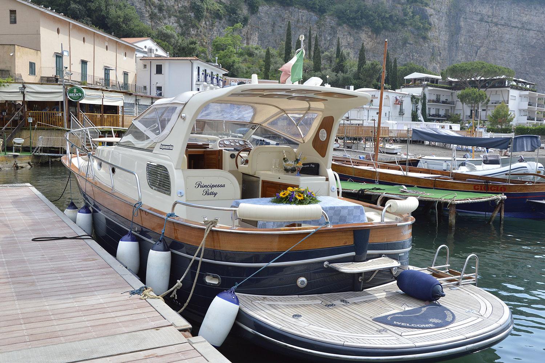 boat-rental-tour-amalfi-capri-positano-sorrento-ischia-procida