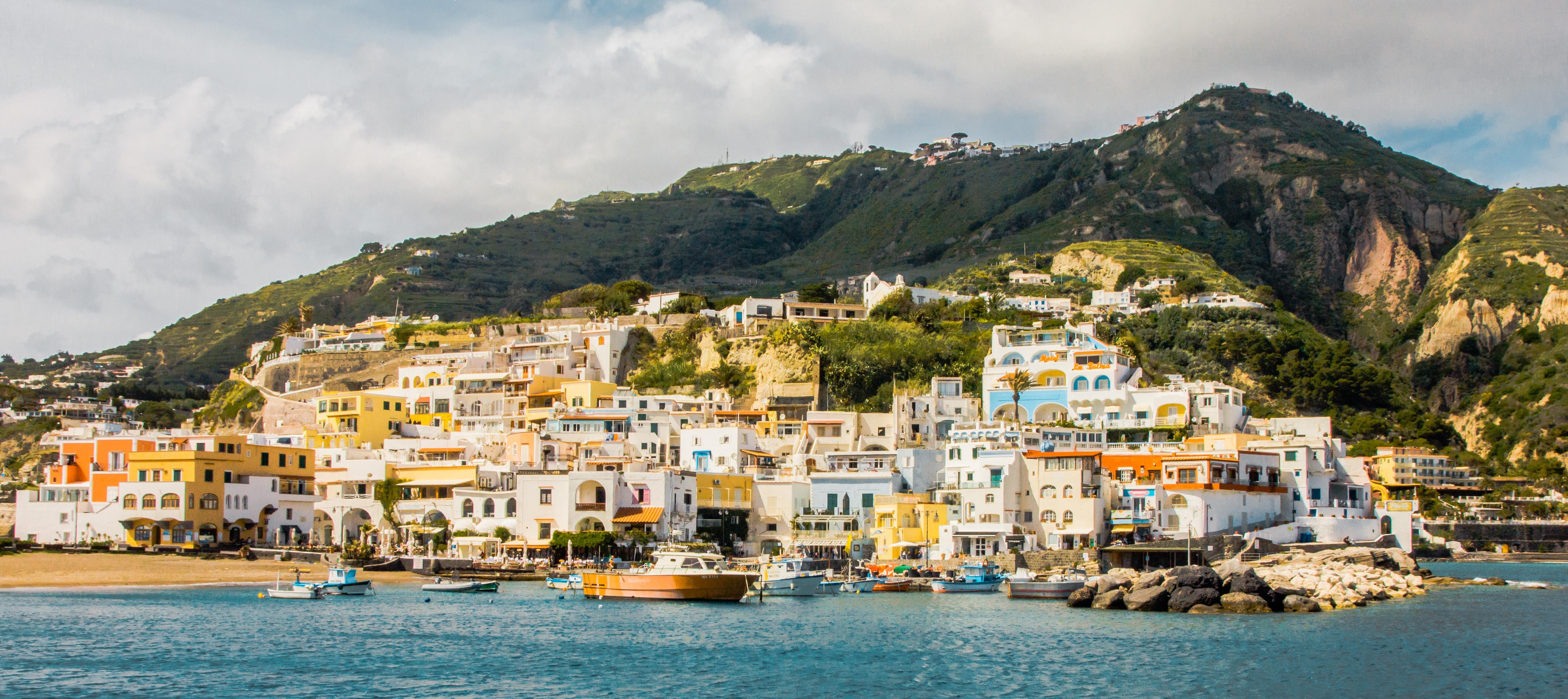 boat-tour-ischia